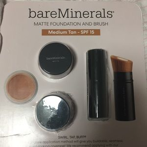 bareMinerals Makeup - Bare Minerals Matte Foundation/ Brush Medium Tan